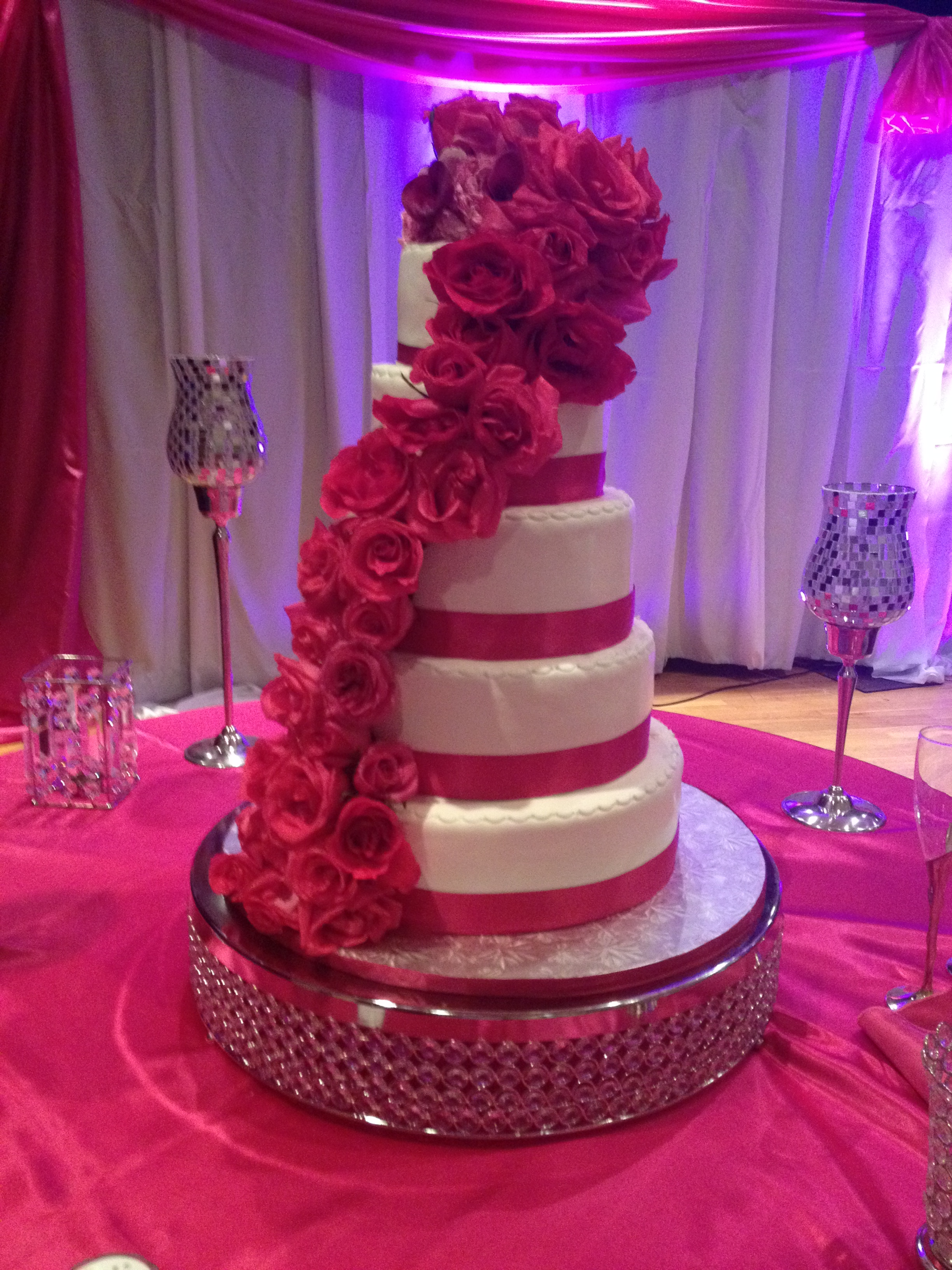 Wedding Cake Delivery We Take Special Pride In Our Creations And Will Insure Prompt Safe Pick Up Is Also Available